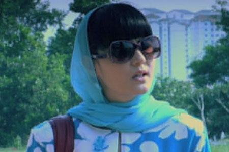 Yasmin Hani sebagai Marina Malik